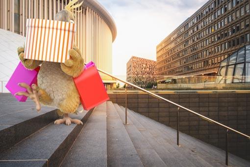 Pablo de Burddy faisant du shopping au Luxembourg